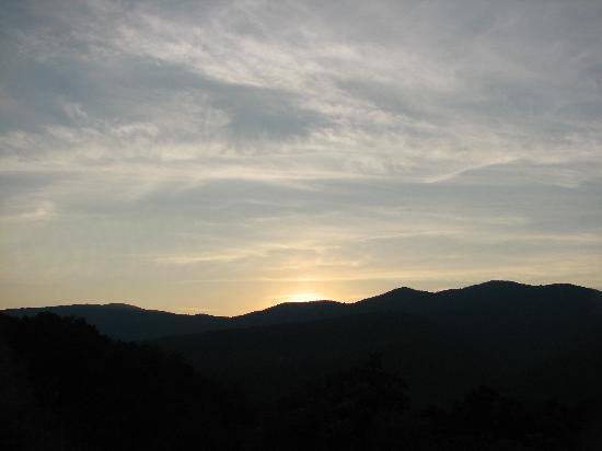 House Mountain Inn: Sunset