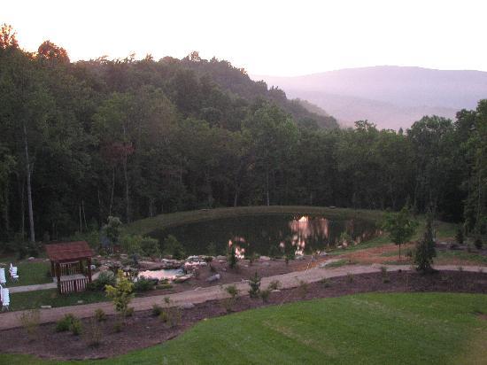 House Mountain Inn Photo