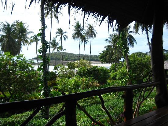 Coral Bay Resort: View of the Beach from our Bungalow #104
