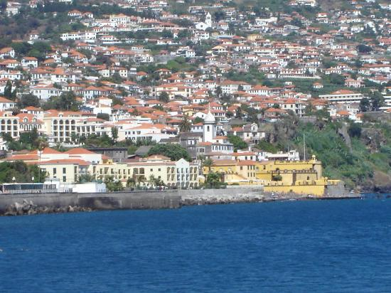 Porto Santa Maria Hotel: Hotel from the Harbour Area