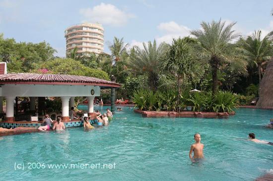Anantara Hua Hin Resort: Anantara Poolbar.