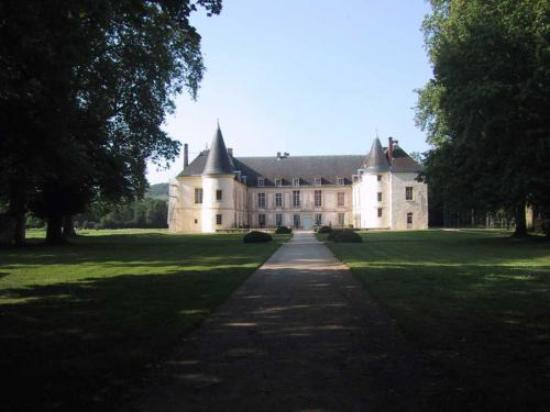 Château-Thierry, France : The Chateau de Conde-en-Brie was once owned by the Marquis de Sade