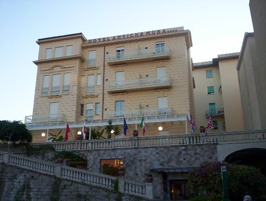 Antiche Mura Hotel: The Hotel!