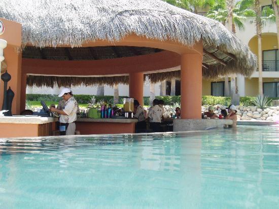 Hilton Los Cabos Beach & Golf Resort: Pool Bar