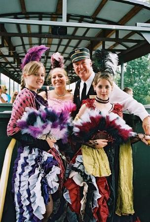 Kamloops, كندا: Dance Hall Girls
