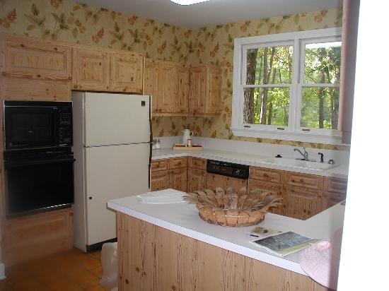 Litchfield Plantation: kitchen
