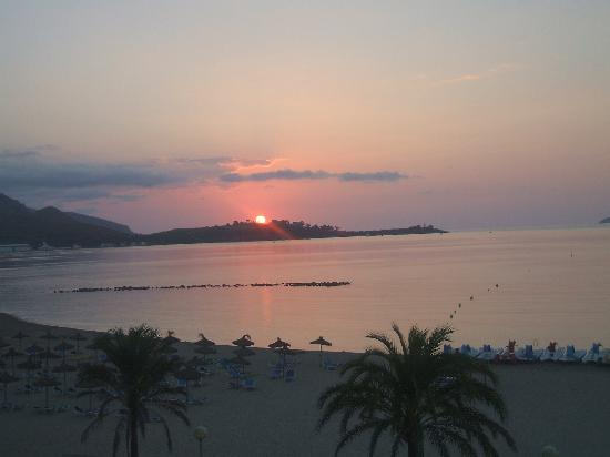 Hoposa Pollentia Hotel: View from hotel room balcony at dawn