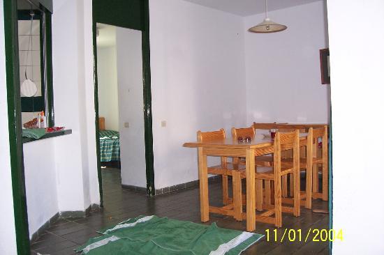 Optimist Aparthotel Image