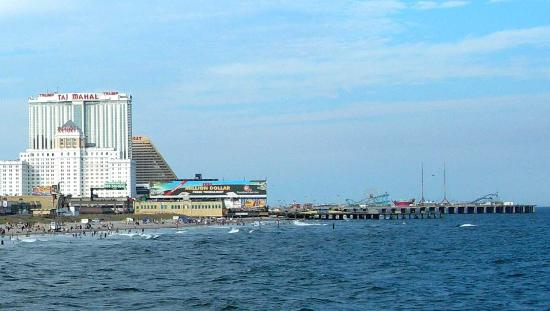 Atlantic City Nj Beach Resorts Taj Mahal Showboat S And