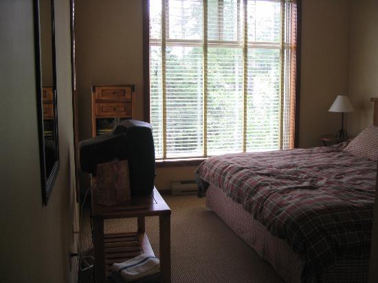 Snow Creek Lodge: Master bedroom