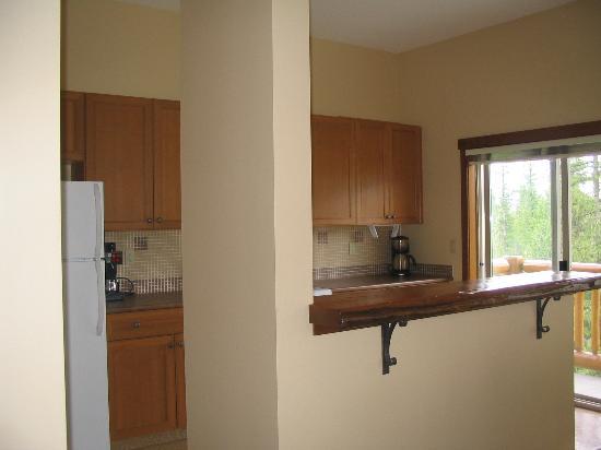 Snow Creek Lodge: Kitchen
