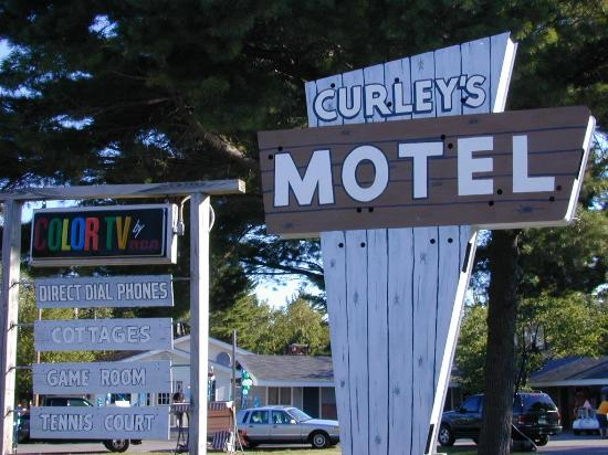 Curley S Paradise Motel Front Entrance Sign