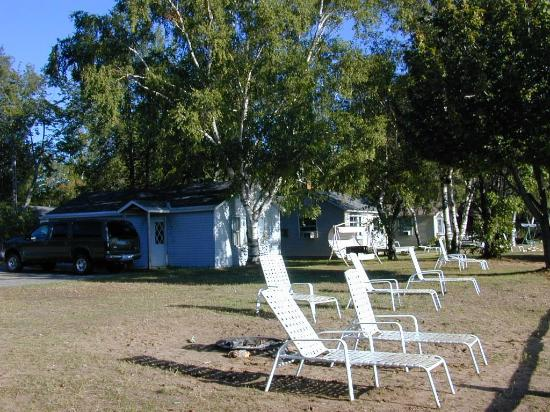 Curley's Paradise Motel: Place to relax on the Beach