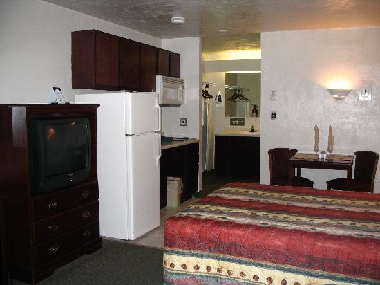 Suburban Extended Stay Hotel: Room