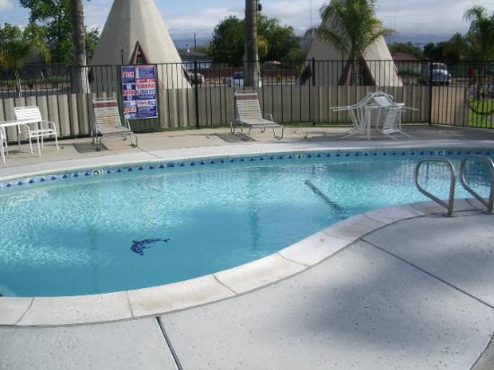 San Bernardino, CA: Pool