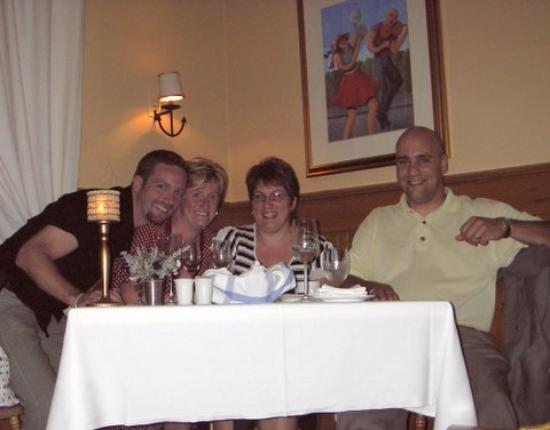 Hotel Paulin : Friends and us in the dinning room