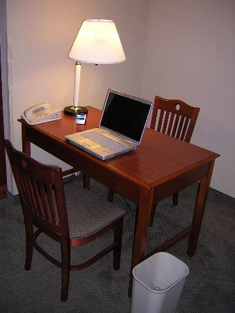Hyatt Place Fremont Silicon Valley The Desk Has Plenty Of Work Space And