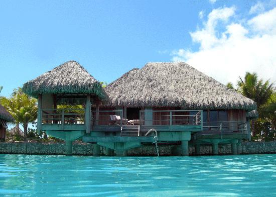 The St. Regis Bora Bora Resort: Bungalow