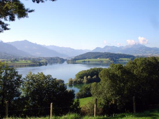 Avry-devant-Pont, Suisse : la vue de la terrasse !