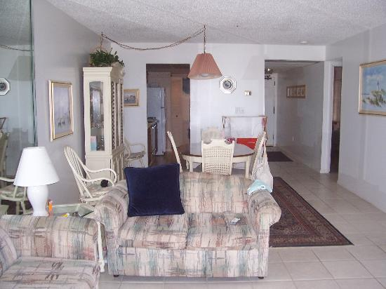 Madeira Norte Condos: Typical living area