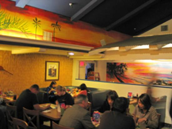 The Loft Hawaiian Restaurant: Artwork on the walls changes