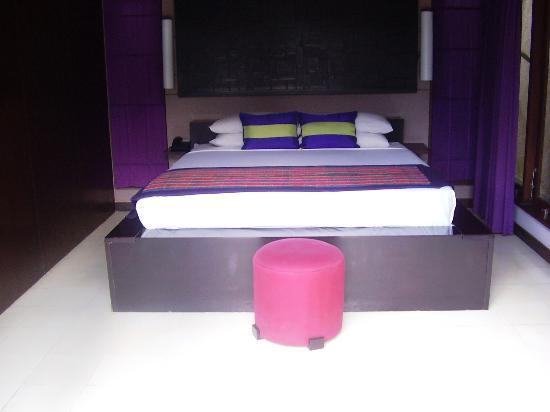 Grand Akhyati Villas and Spa: Bedroom.