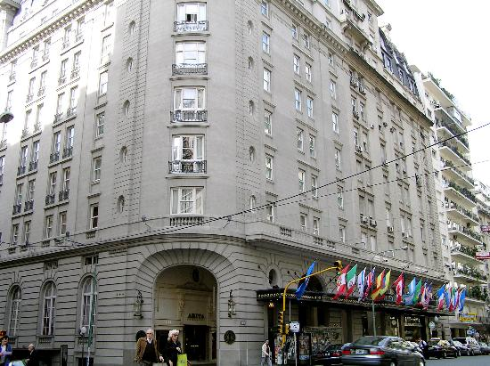 Alvear Palace Hotel: Street view