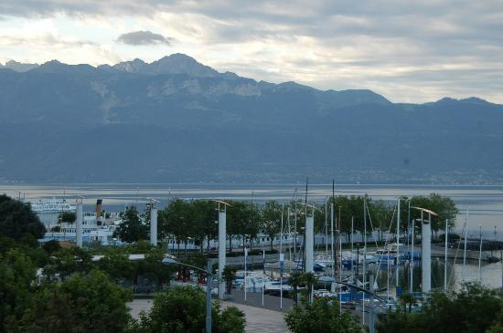 Movenpick Hotel Lausanne: View2 outside my room