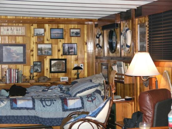 Ship House Bed and Breakfast: Ship house inn