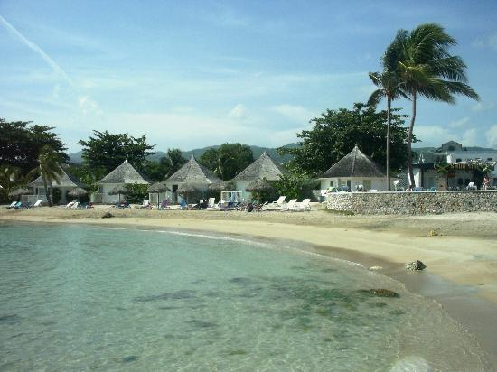 Runaway Bay, Giamaica: The Beautiful  Beach and Cottages