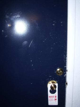 Casino West Motel : Inside of the door.
