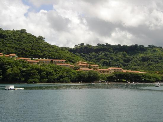 Allegro Papagayo: View of hotel from bay tour boat