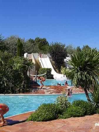 Serignan, Francia: View of on site pool