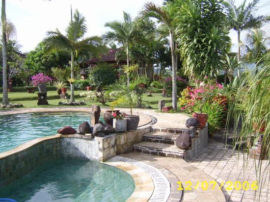 Cabé Bali: the garden