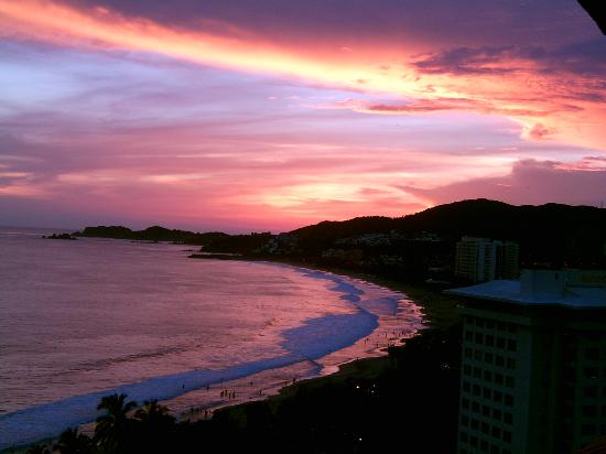 Holiday Inn Resort Ixtapa: amazing sunset