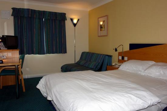 Premier Inn Pontypool Hotel: room 202