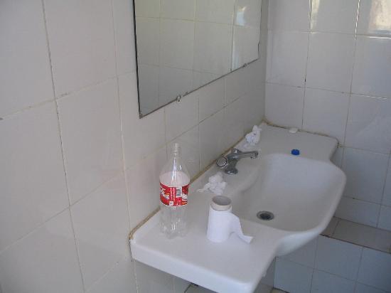 El Arenal, Spanien: lavabos de l hotel à10h le matin
