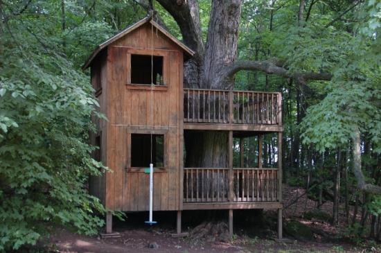 Tyler Place Family Resort: The Tree House off the Inn Lawn