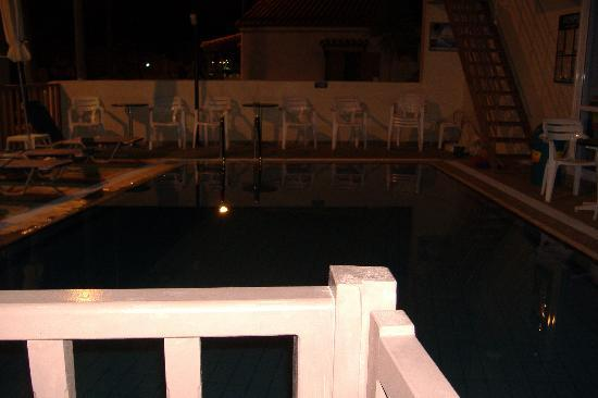 Stalis, Grecia: The pool at night