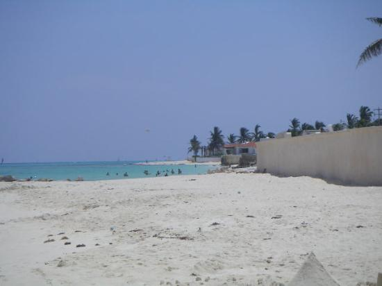 Xaman-ha Luxury Condominiums: Beach in front of the complex, looking south