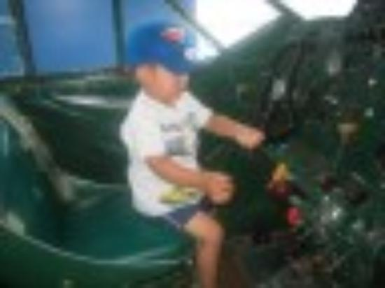 Royal Aviation Museum of Western Canada: I'm flying!