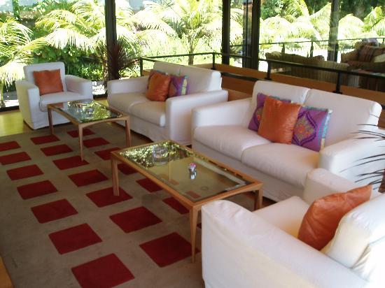 Quinta da Casa Branca: Deck bar where we had afternoon tea