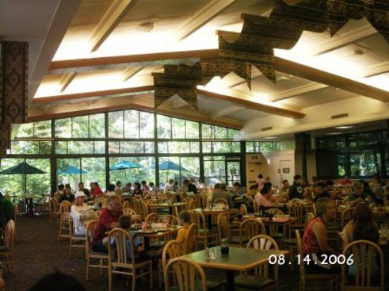 Yosemite Valley Lodge Food Court