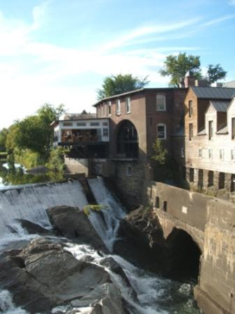 Parker House Inn and Restaurant : View of Simon Pierce Restaurant over waterfall taken from covered bridge