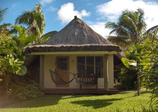 Outrigger Fiji Beach Resort: Bure from the front