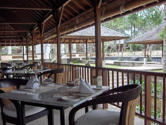 "COMO Shambhala Estate: Restaurant ""the glow"""