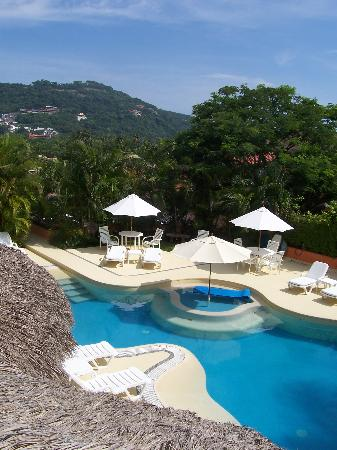 Villa Carolina Hotel: view of pool from master suite