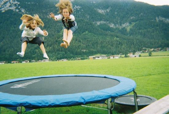 Familienparadies Sporthotel Achensee: Trampolining at the See Alm
