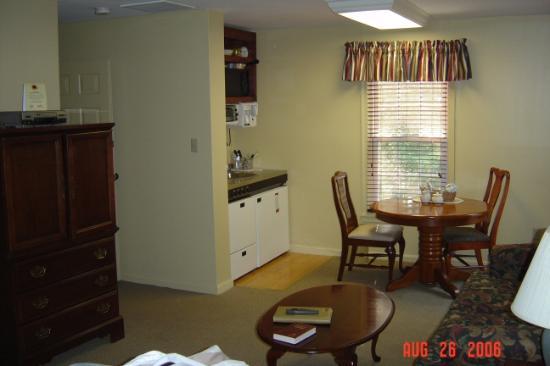 Wyndham Patriots Place Building 7 Kitchen Dining Room