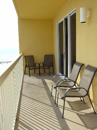 Calypso Resort & Towers: balcony is width of unit